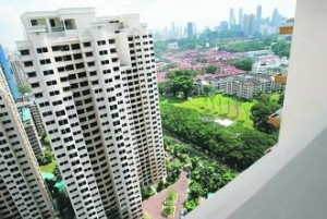 http://www.propertyguru.com.sg/property-management-news/2015/4/91674/more-resale-flats-sold-at-sky-high-prices-