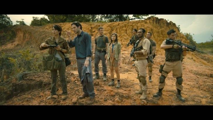 Salah satu adegan pada film Dead Mine yang juga diperankan oleh beberapa aktor Indonesia seperti Ario Bayu dan Joe Taslim (source: blu-ray.com)