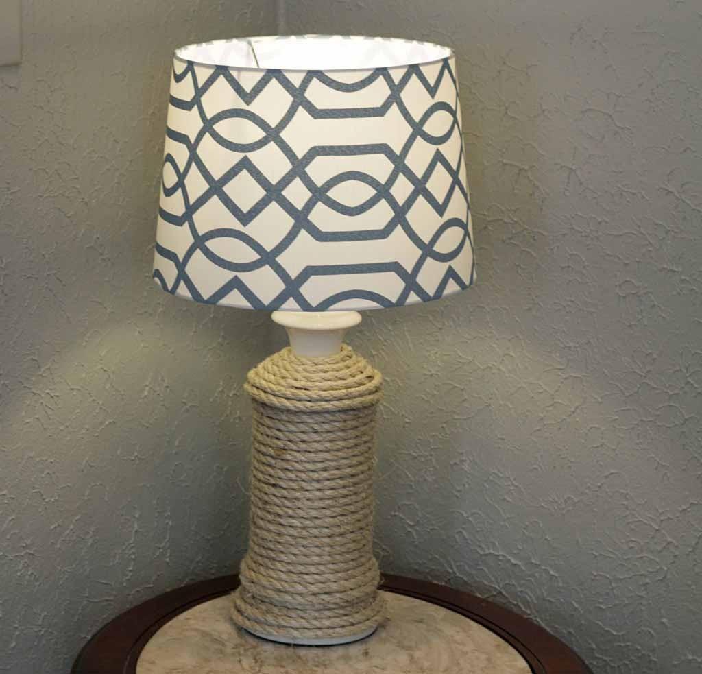 03 Lampu meja (diyjoy.com)