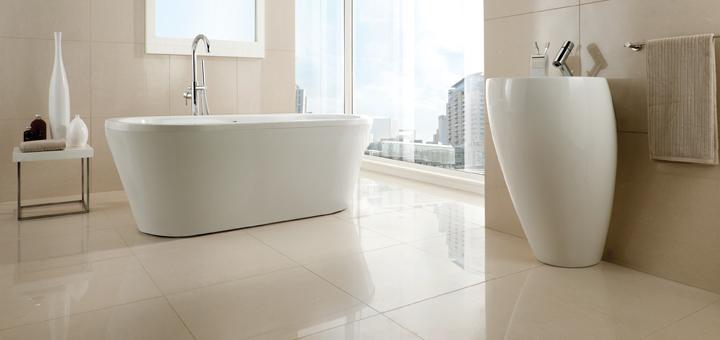 Contoh kamar mandi dengan glasur keramik glossy. Sumber: ctdtiles.co.uk