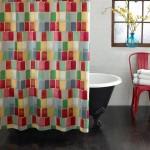 Mencuci Tirai Shower Sendiri, Lebih Bersih dan Hemat