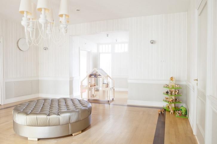 Contoh ruang tamu yang diaplikasikan menggunakan warna putih (sumber: pixabay.com)