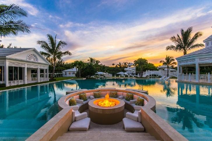 Desain kolam renang milik Celine Dion (sumber: hgtv.com) & Kemewahan Desain Kolam Renang Selebritas Hollywood - Properti ...