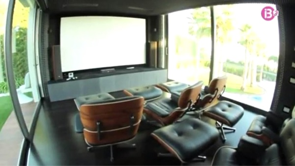 Teater milik Lorenzo (homemydesigning.com)