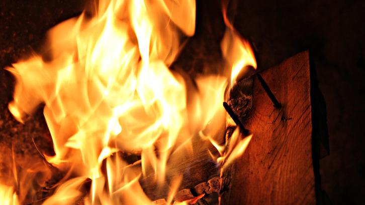 Mitos kebakaran