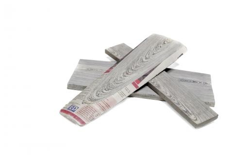Kayu yang terbuat dari koran (sumber: citymetric.com)