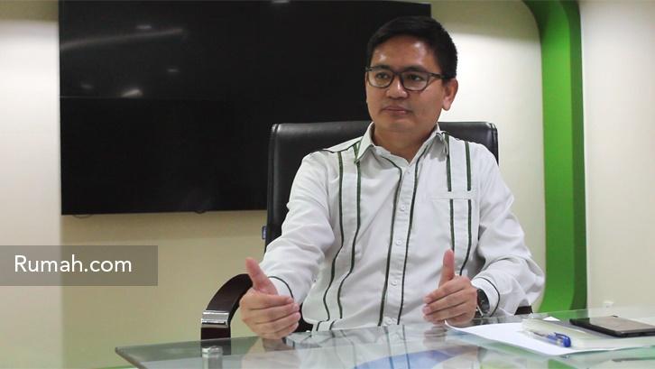 Kepala Divisi Komunikasi BPJS Irvansyah Utoh Banja saat wawancara dengan Rumah.com.