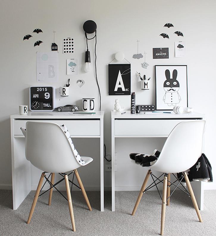 tips dekorasi meja belajar warna hitam putih