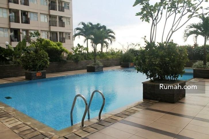 Fasilitas kolam renang yang ada di Apartemen Margonda Residence V