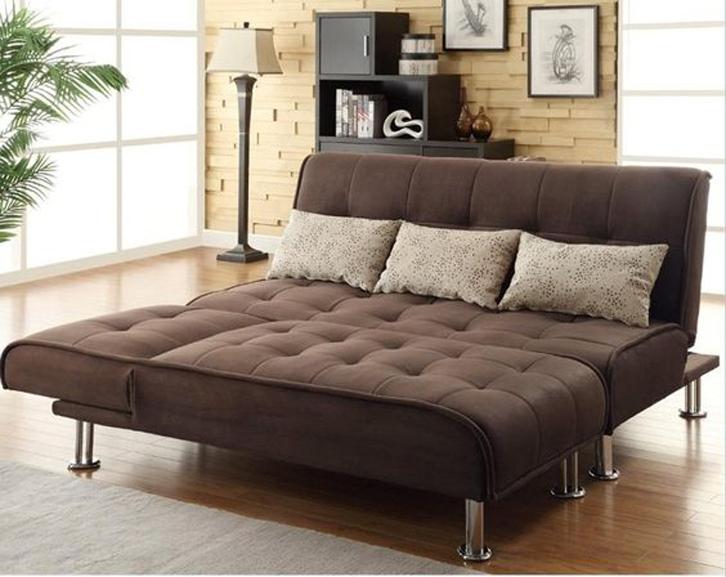 Sofa jenis ini cocok juga digunakan untuk Anda yang tinggal di apartemen ataupun rumah dengan ruangan berukuran sempit.