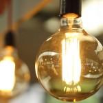 Agar hal yang sama tak berulang setiap bulan, ada baiknya Anda menyiasati penggunaan listrik harian agar tagihan tidak bocor.