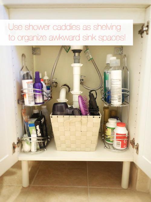 Tutup bagian bawah wastafel dan gunakan untuk menyimpan barang.