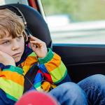 Tips Menonton TV di Mobil Senyaman di Rumah