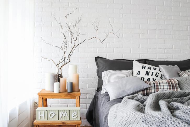 Ibaratnya kamar adalah Anda, sehingga Anda pun menggunakan aroma yang Anda sukai untuk diletakkan di kamar.