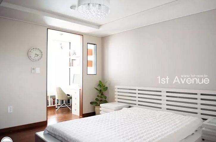 Orang Korea menyukai warna putih untuk mencerahkan