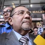 FELDA's Former Chairman, Isa Samad, Called in for Illegal Land Transaction at Jalan Semarak