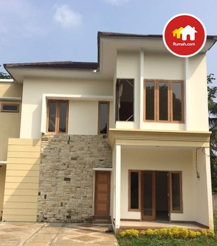 D'Sinta Residence justru menawarkan lingkungan eksklusif yang tidak terlalu ramai dan jumlah huniannya pun terbatas hanya 10 unit saja.