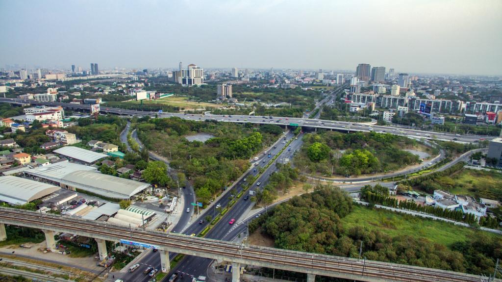 Bangkok Motorway to Suvarnabhumi Airport, Srinakarin Road, Pattanakarn