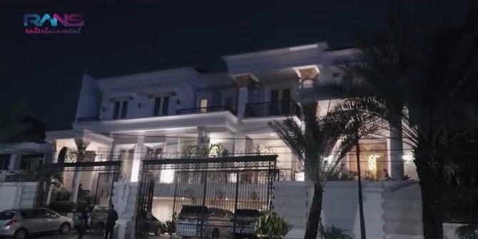Rumah Pengusaha
