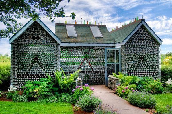 6 Rumah Ini Terbuat Dari Bahan Bangunan yang Tidak Biasa 2