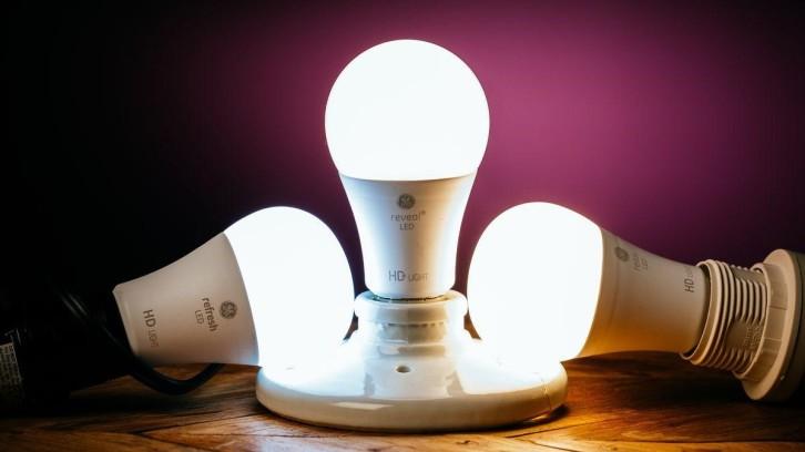 lampu LED terbaik 2020 GE Reveal LED