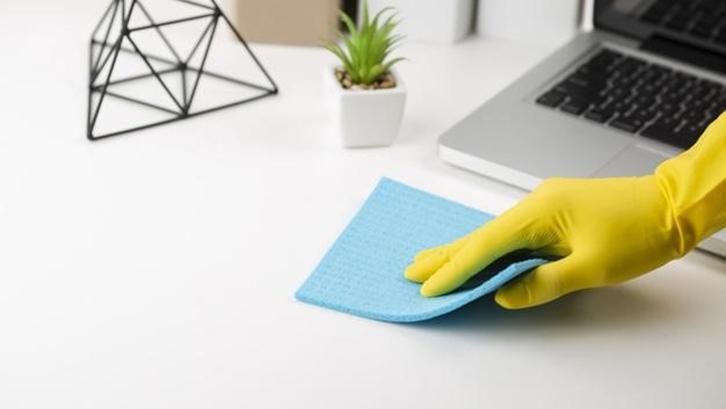 Jangan menggunakan kain basah