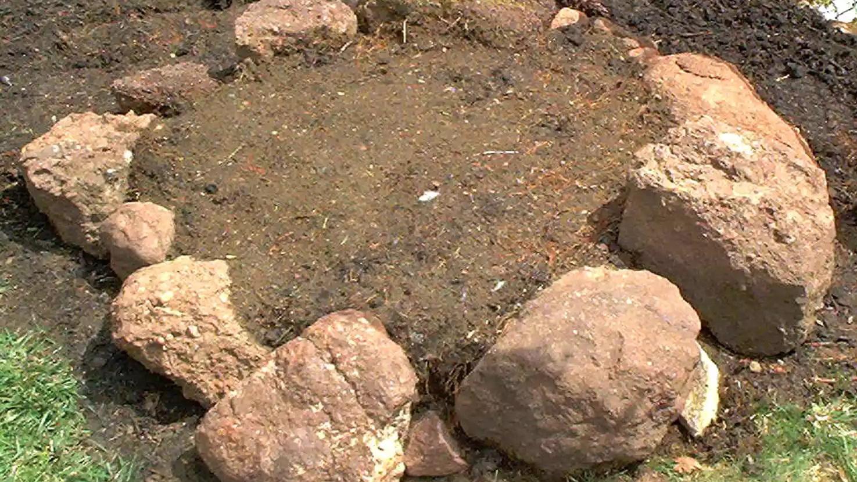 1. Menentukan peletakkan batu