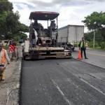 Penambalan Rutin, Titik Longsor, Hingga Tanaman Liar Yang Dilakukan Untuk Kemantapan Jalan Nasional
