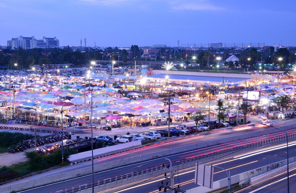 Nonthaburi,thailand–september,30,2018,:,Scenic,View,Of,Nonthaburi,Night,Market,Or