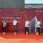 JKT LIVING STAR Apartemen Bergaya Singapura Resmi Topping Off