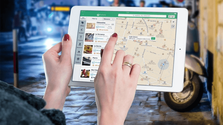 Cek lokasi fasilitas umum sekitar kontrakan dengan fitur online map jika tidak ada waktu. (Sumber: Pexels.com)