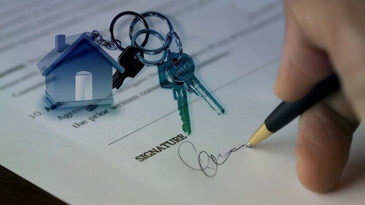 AJB adalah bukti sah secara hukum atas pembelian rumah Anda. (Foto: Pixabay-Gerd Altmann)