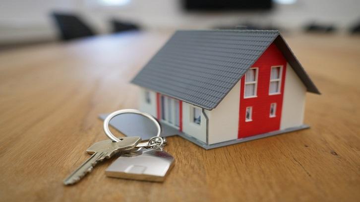 KPR layanan kredit untuk rumah sedangan KPT untuk pembelian lahan (foto: TierraMallorca-Pixabay)