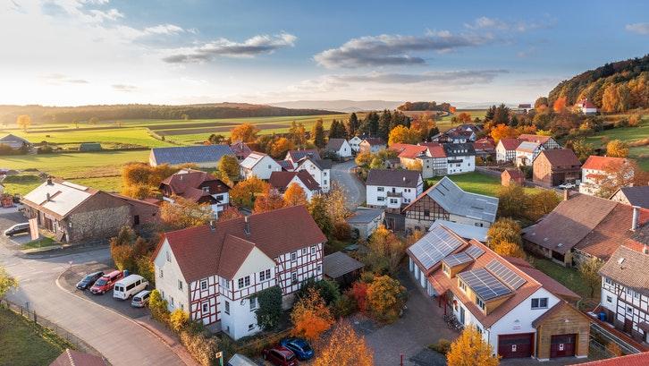 Selain beli properti luar negeri, beli properti luar kota juga dapat menjadi pilihan investasi. (Foto: Pexels)