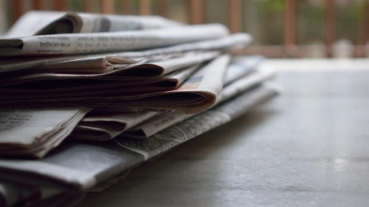 Anda dapat pula melakukan pengumuman di media cetak. (Foto: Pexels - Brotin Biswas)