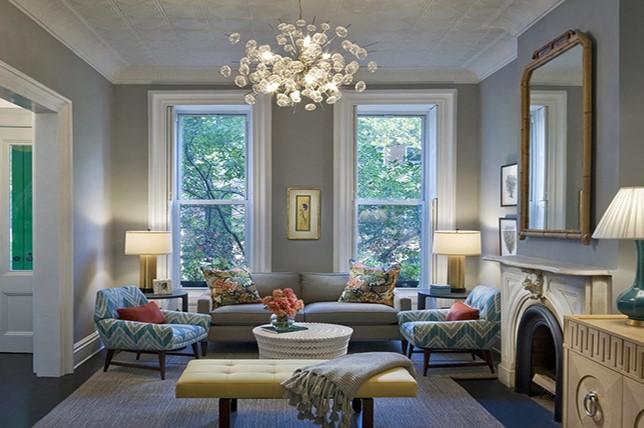 Warna cat rumah abu lilac atau lilac grey membuat ruangan lebih hangat. (Foto: Decoraid.com)