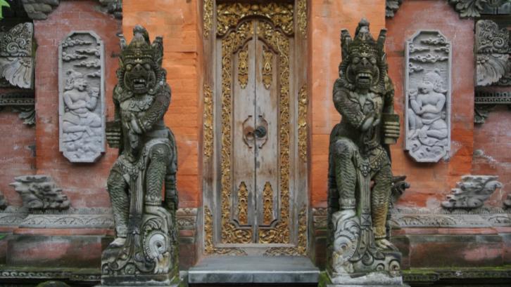 Rumah tradisional Bali terdiri dari beberapa bagian terpisah. (Sumber: Pexels.com)