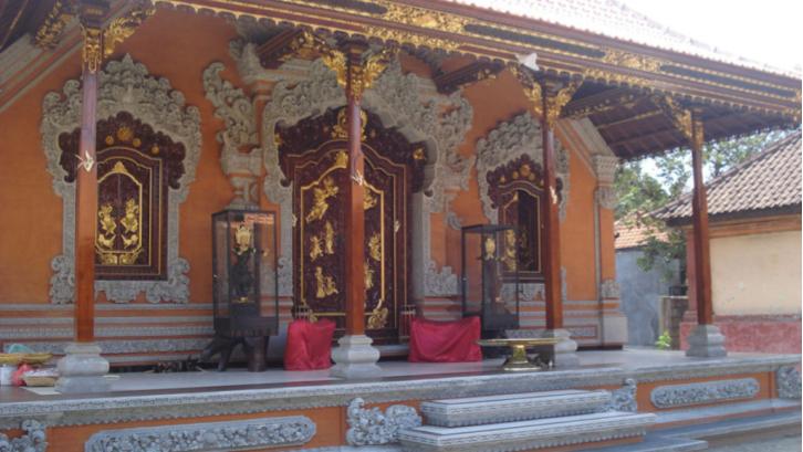 Struktur rumah Bali dengan ruang-ruang terpisah memiliki makna dan fungsi tersendiri. (Sumber: Pexels.com)