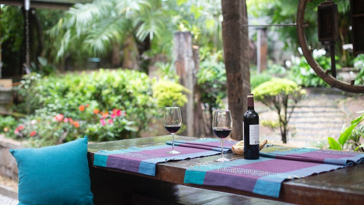 Taman belakang rumah minimalis sederhana dan elegan .(Foto:Pexels-Dalila Dalprat)