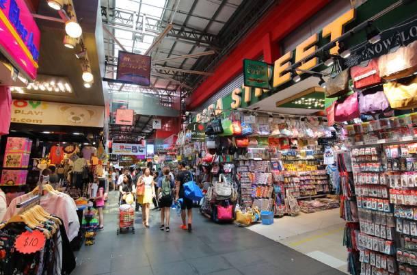 Bugis Street has plenty of souvenirs and gadgets – PropertyGuru Singapore