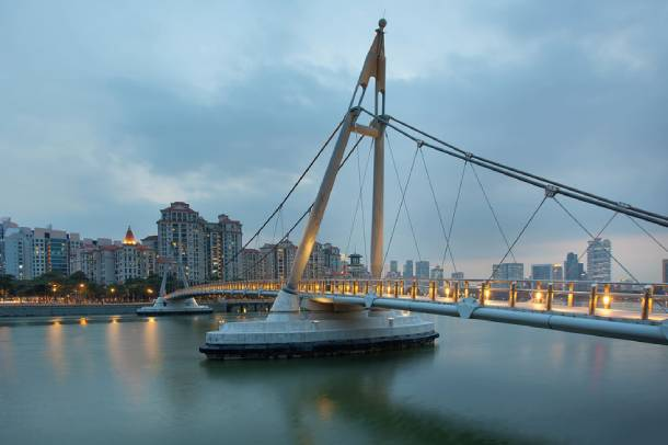 Golden Mile Complex provides a spectacular view of the Kallang River - PropertyGuru Singapore