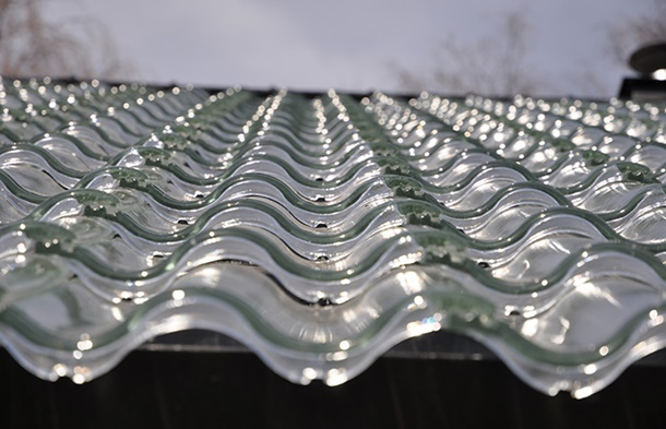 Jenis genteng kaca paling cocok ditempatkan di atas dapur agar curah cahaya bisa lebih maksimal tanpa menggunakan lampu. (Foto: Kthmagazine.se)