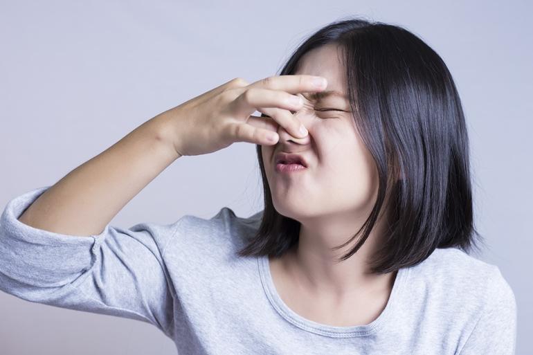 กำจัดกลิ่นเหม็นในบ้าน 8 กลิ่นที่ต้องรีบจัดการให้หมดไป คุณเองก็ทำได้