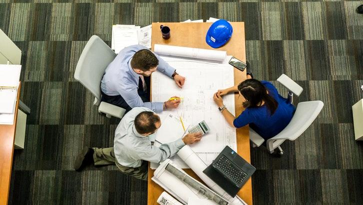 Melakukan penghitungan bahan bangunan merupakan faktor penting dalam membangun rumah. (Foto: Pexels – Pixabay)