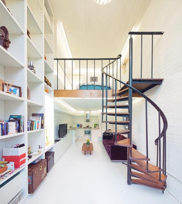 Railing tangga minimalis terlihat sederhana tapi menarik. (Foto: Aprar.net)