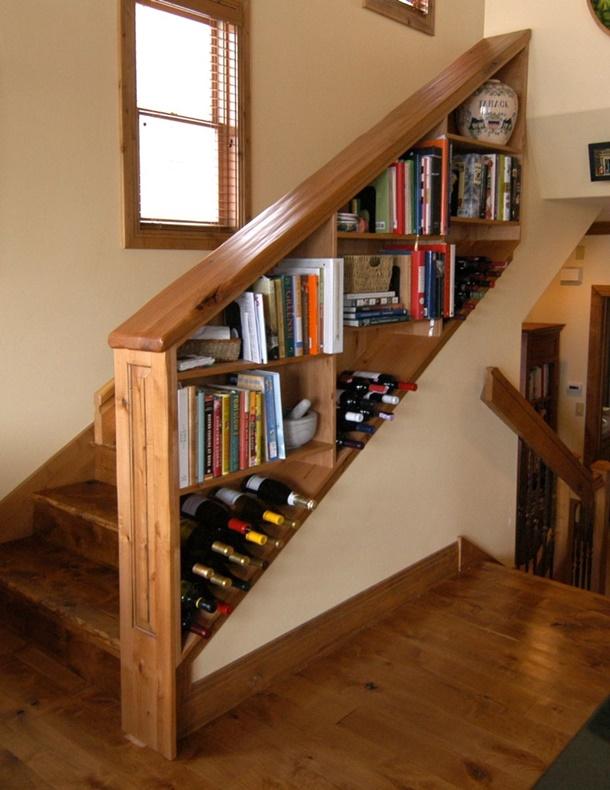 Keamanan terpenuhi, rumah Anda pun bisa lebih rapi dengan railing tangga ini. (Foto: custommade.com)