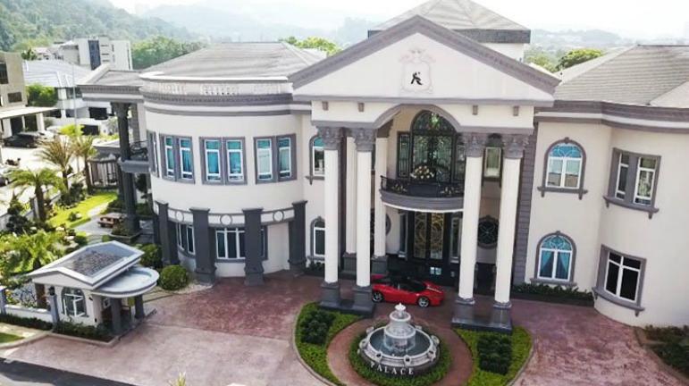 Rumah Banglo Mewah 10 Selebriti