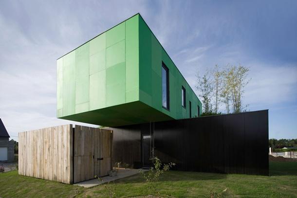Rumah kontainer ini mampu menampung tiga kamar tidur di dalamnya. (Foto: herschelsupply.co)