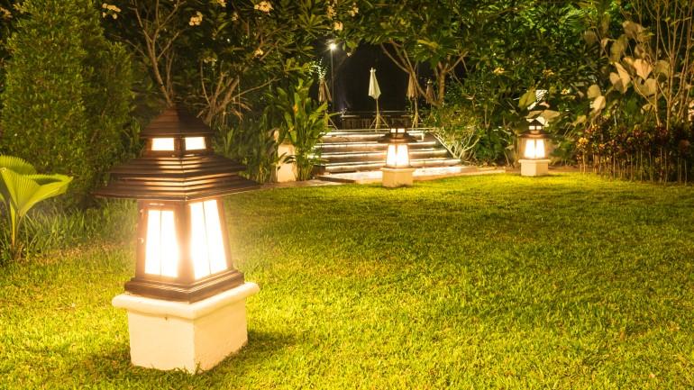 Lampu Taman Tepat Listrik Hemat Ini Panduannya Rumah Com