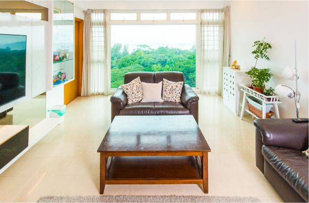 4-room condominium in the East Coast with a sea view.
